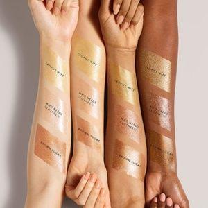 Fenty Beauty Makeup - Fenty Beauty- Body Lava Luminizer